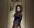Kareena Kapoor stuns in Rohit Bal's Lakmé S/R 2016 Finale