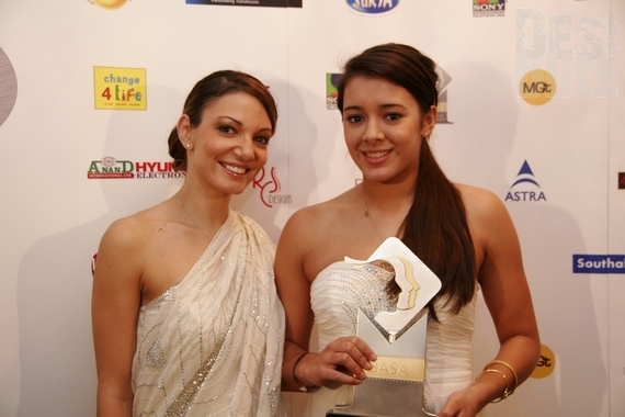 Manisha Chowdhary (Junior Sports Personality of the Year under 18 female) with Simone Bienne