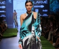 Model walks for Satya Paul
