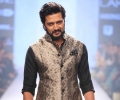 Showstopper Riteish Deshmukh