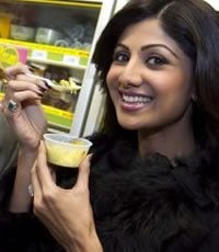 Shilpa launches Vegetarian meals