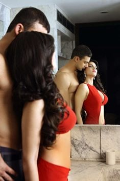 Sunny Leone sizzles in JISM 2