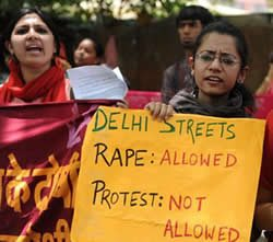 Protesters got water cannoned by Police - rape in India