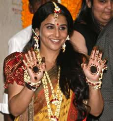 Vidya Balan shows off her Mehndi