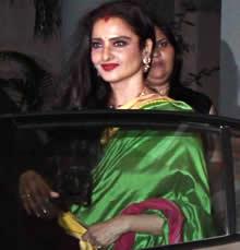 Rekha attends Vidya Balan's Mehndi