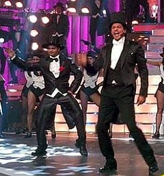 SRK on stage at 58th Filmfare Awards