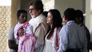 Bachchan family with Aaradhya Bachchan