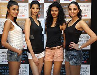 Models for Lakmé Summer/Resort 2013