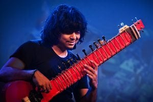 Niladri Kumar with his Zitar