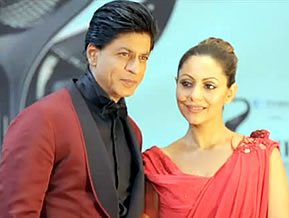 SRK and Gauri at the Times of India Film Awards 2013