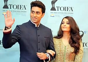 Abhishek and Aishwariya at the Times of India Film Awards 2013