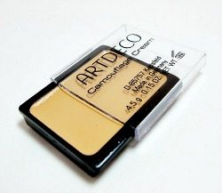 Art Deco camouflage cream