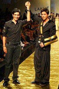 Manish Malhotra and shahrukh khan-26