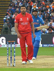 Ravi Bopara bowls for England