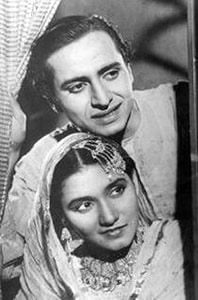 Pran and Noor Jehan in Khandan