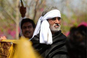 Satyagraha Movie Still Amitabh Bachchan 1