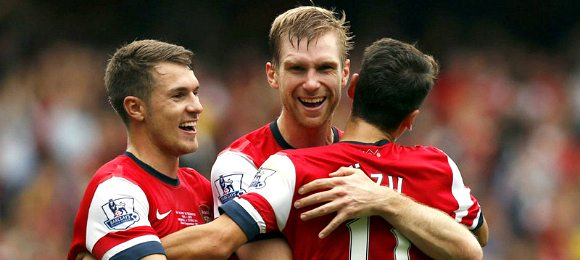 Premier League Arsenal vs Stoke City Per Mertesacker