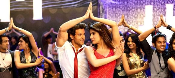 Krrish 3 movie still Hrithik Roshan with Priyanka Chopra