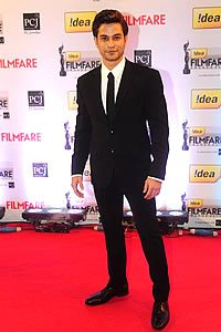 Kunal Khemu in Suit