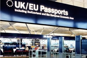 UK border UK and EU passports