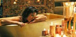 Sexy Sunny Leone in Ragini MMS 2