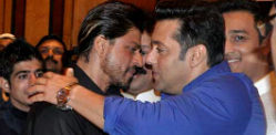 Annual Hug Day for Salman Khan and Shahrukh