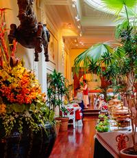 La Porte des Indes offers French Indian Cuisine