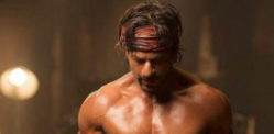 Shahrukh Khan reveals new 8 Pack