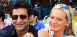 Wasim Akram and Shaniera celebrate Baby News