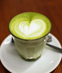Many question if green tea can bring about health benefits and cure certain illnesses.