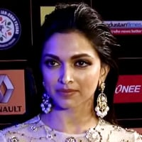 Deepika Wet Hair Look