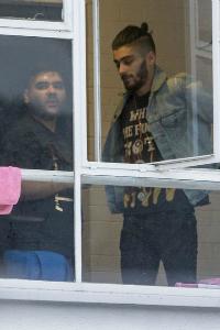 Zayn Malik and Naughty Boy release 'I Don't Mind'