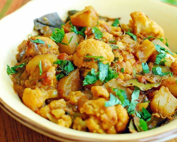 7 Vegetarian Curries You Must Eat - aloo gob