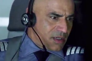 Faran Tahir in Flight 42