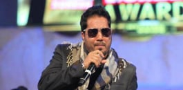 Mika Singh defends slapping doctor on stage