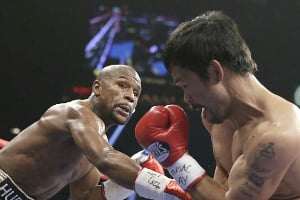Floyd Mayweather defeats Manny Pacquiao in Las Vegas Superfight