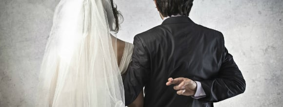Pakistani Taxi Driver jailed for Sham Marriage