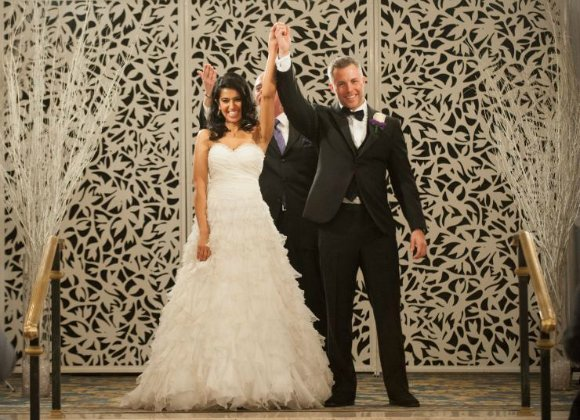 Davina Kullar, a participant in the US reality TV series Married at First Sight, separated from Sean Varricchio after six weeks of married life.