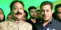 Salman Khan attends Baba Siddique's Iftar