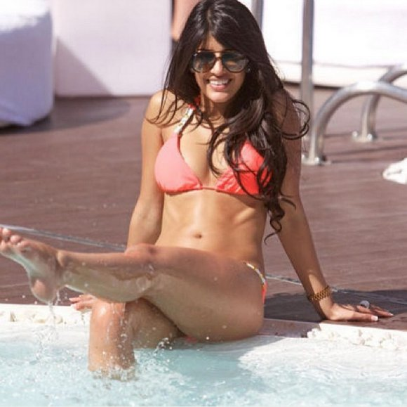 Top 5 Hottest Bikini looks of Jasmin Walia