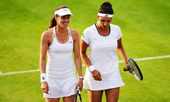 Sania Mirza and Rohan Bopanna are through to the quarter-final stages of Wimbledon