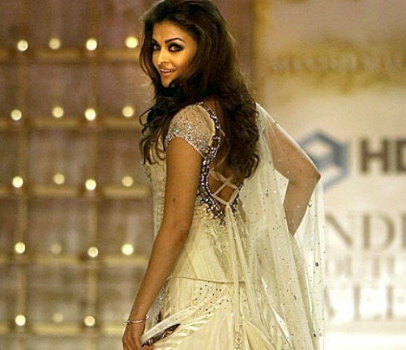 Aishwarya Rai to Model at Delhi Couture Week