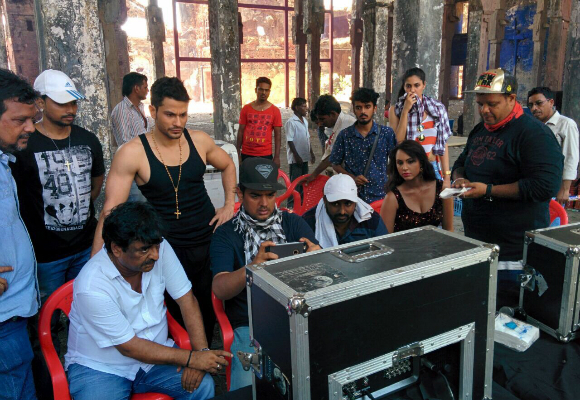 Bringing the sizzling heat to the video set in Mumbai is British Indian beauty queen and reality TV star, Deana Uppal.