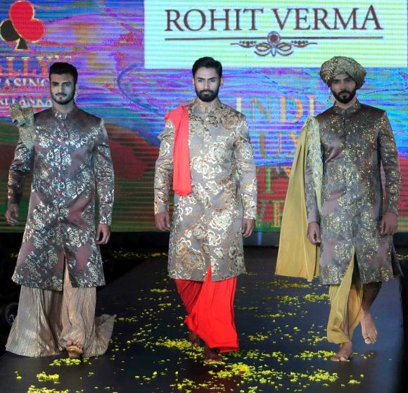 Sandip Soparrkar & Rohit Roy model Rohit Verma