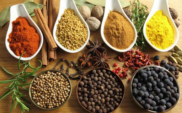 DESIblitz uncovers five medicinal benefits of spicy food you probably didn't know.