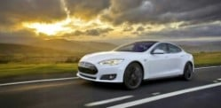 Tesla Model S P85D breaks Consumer Ratings