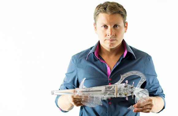 Musician Laurent Bernadac collaborated with French printing company, 3Dvarius, to make 'the first fully playable 3D printed violin'.