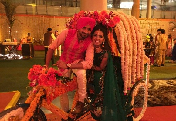 Cricketer Harbhajan Singh marries Geeta Basra