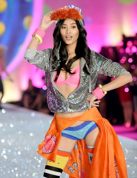 it is encouraging to see models of colour gracing the catwalk, such as Ming Xi, Sui He, Leila Nda and Cindy Bruna.