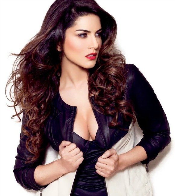 Sunny Leone in 'Main Supergirl' with Kanika Kapoor